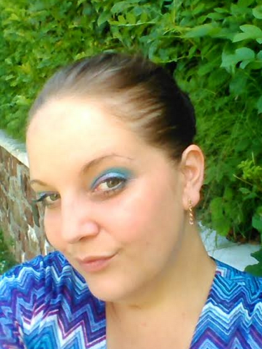 make up bleu