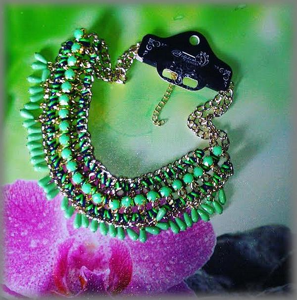 gros collier vert