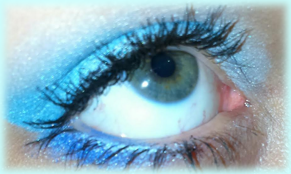 make_up blue