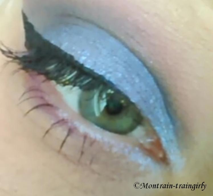 make-up pin-up