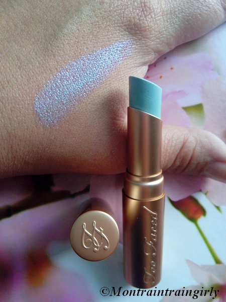 too faced la crème unicorn swatch
